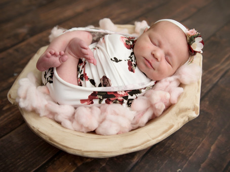 Whitby Newborn Photographer | Durahm Region Newborn Photos