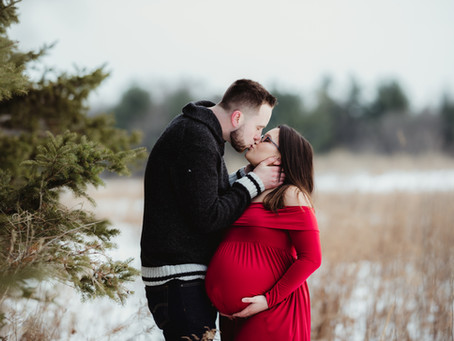 Whitby Maternity Photographer | Maternity Photos Durham Region