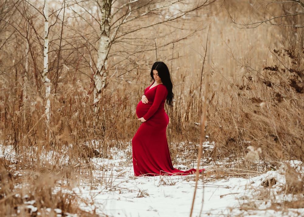 Oshawa Maternity Photographer.jpg
