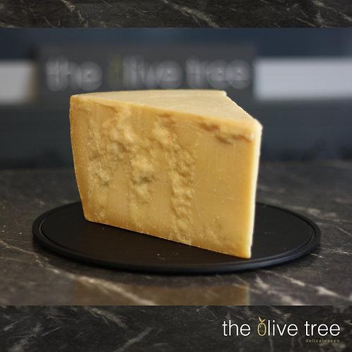 Parmigianno Reggiano (DOP organic) Cheese