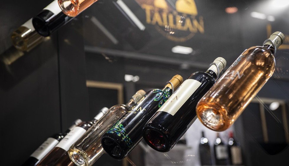 STAND TAILLAN