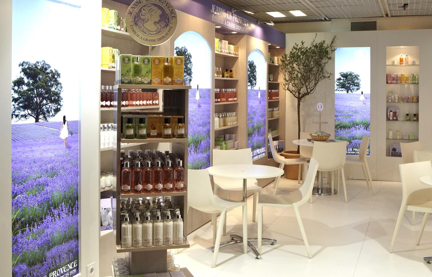 STAND ARTHES EN PROVENCE