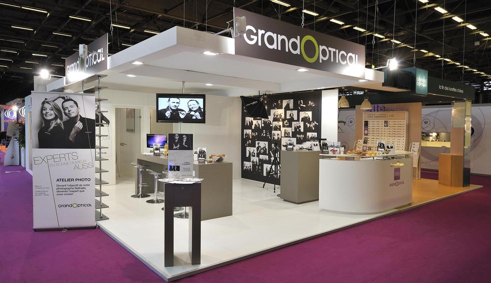 STAND GRAND OPTICAL