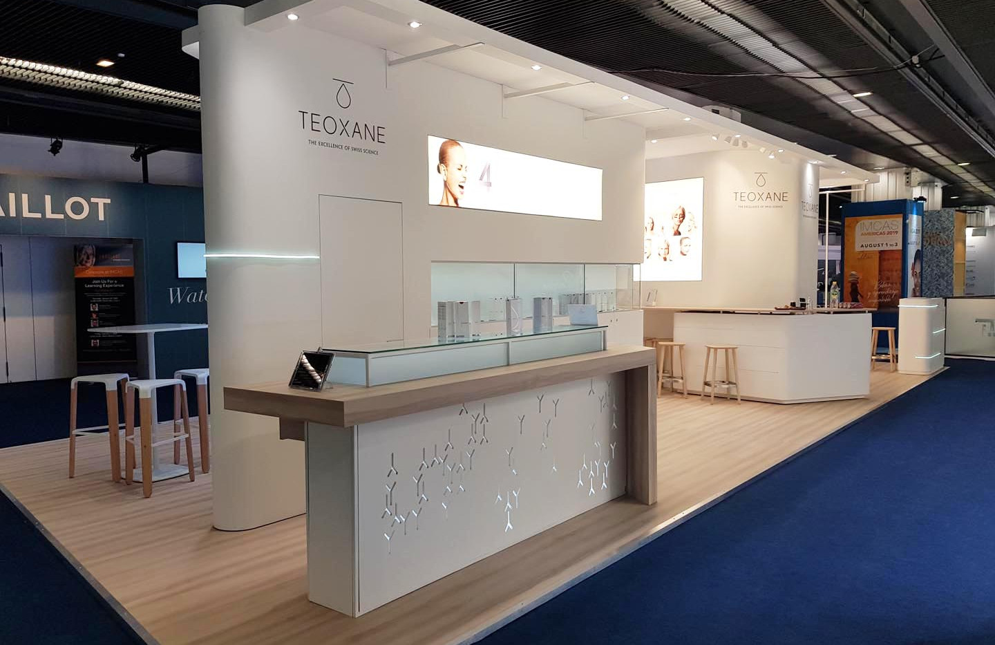 STAND TEOXANE