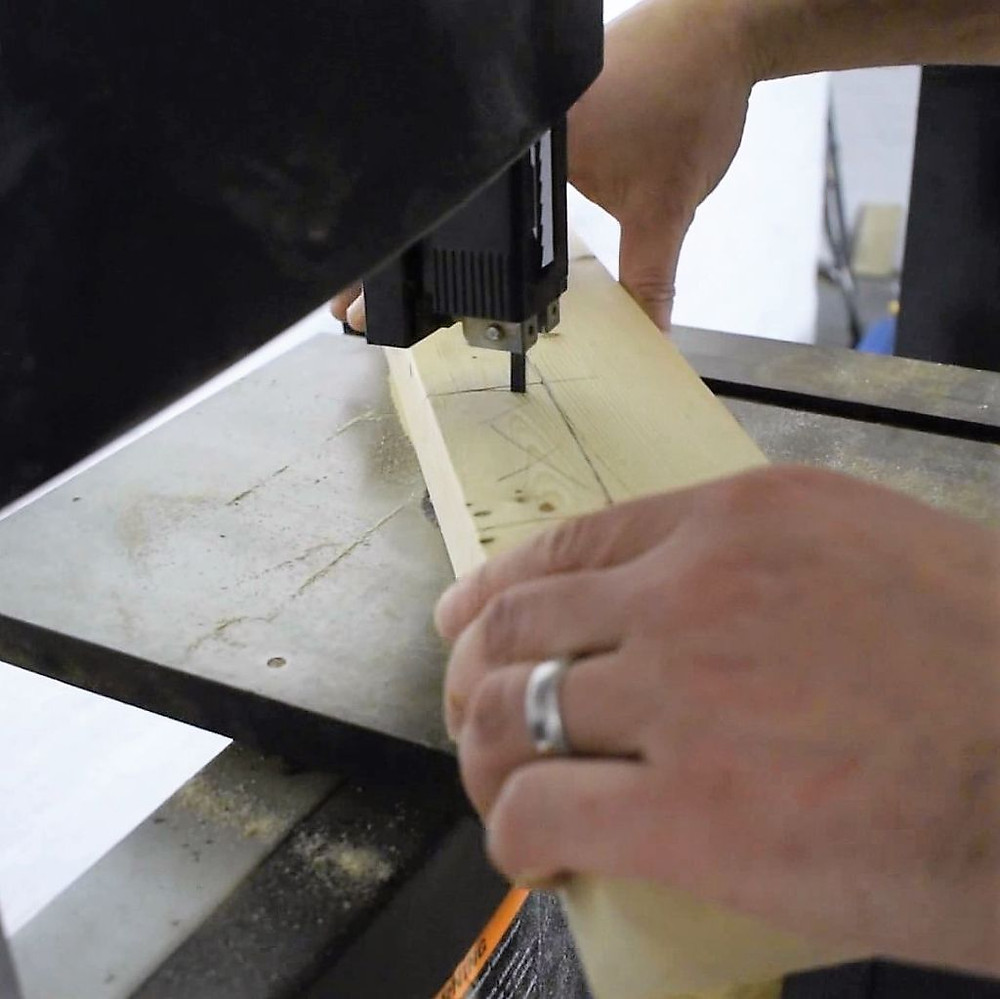 Cutting interior corners on a bandsaw