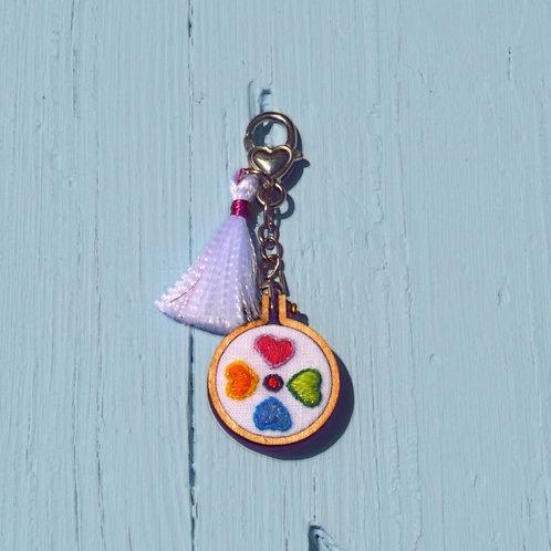 """Porta-chaves """"Corações Coloridos"""""""