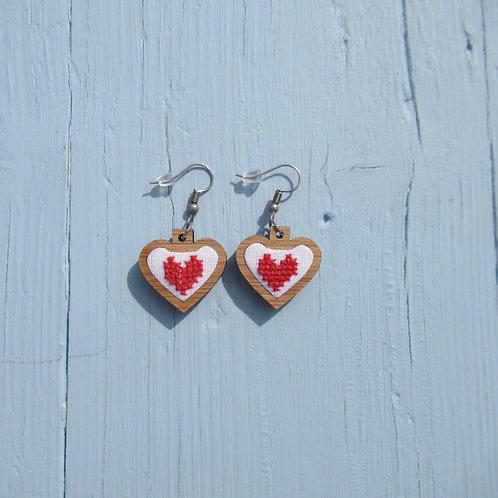 """Mini Brincos """"coração vermelho"""""""