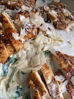 Creamy Spinach and Chicken Fettuccine Al