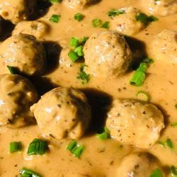 Meatballs in Beef Gravy