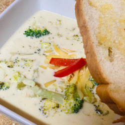 Smoked Gouda Broccoli Cheese Soup