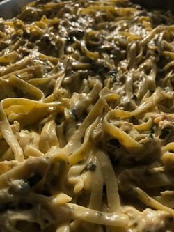 Creamy Spinach & Chicken Fettuccine Alfr