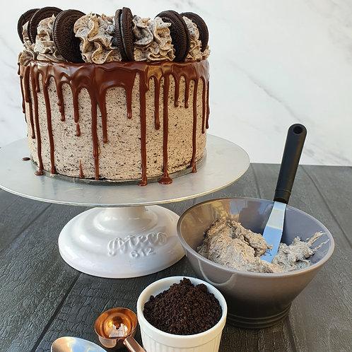 """Oreo Drip Cake (8"""")"""