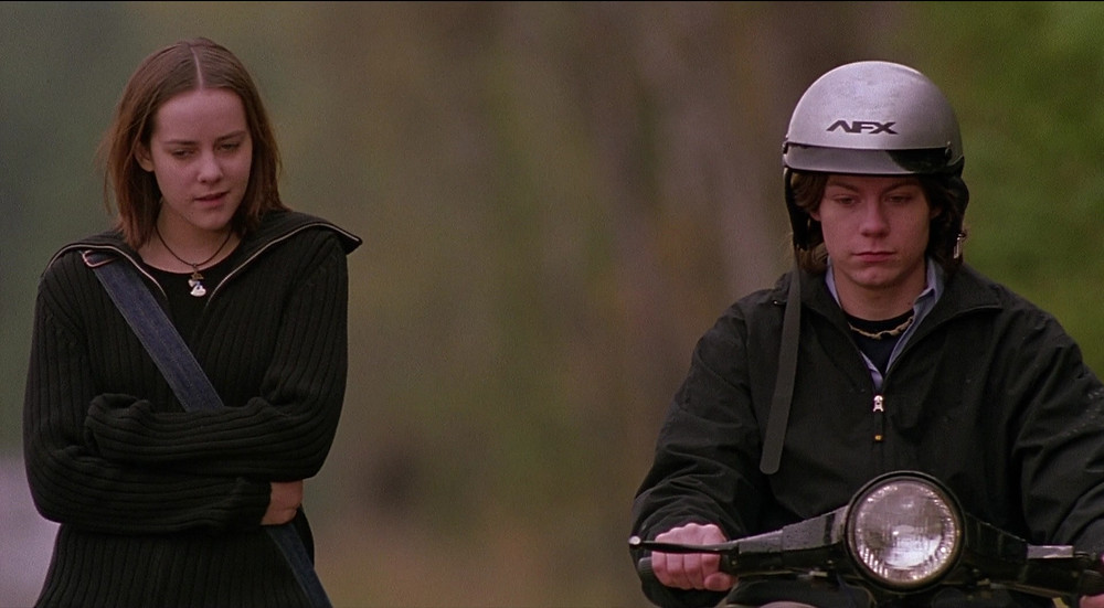 AFX-Helmets-Used-by-Jena-Malone-and-Patrick-Fugit-in-Saved-2