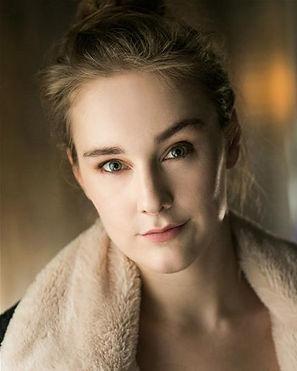 Elena Stephenson Headshot