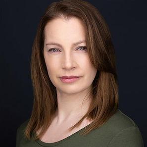 Laura Thompson Headshot