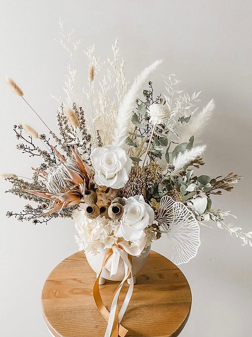 Medium dried & preserved Vase Arrangement