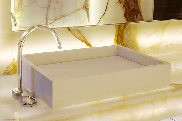 bathroom003.jpg