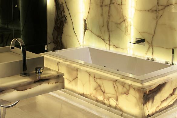 bathroom001-1.jpg