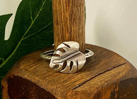 Monstera Leaf Ring