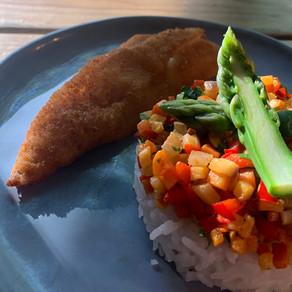 Filet de rouget pané et ses petits légumes