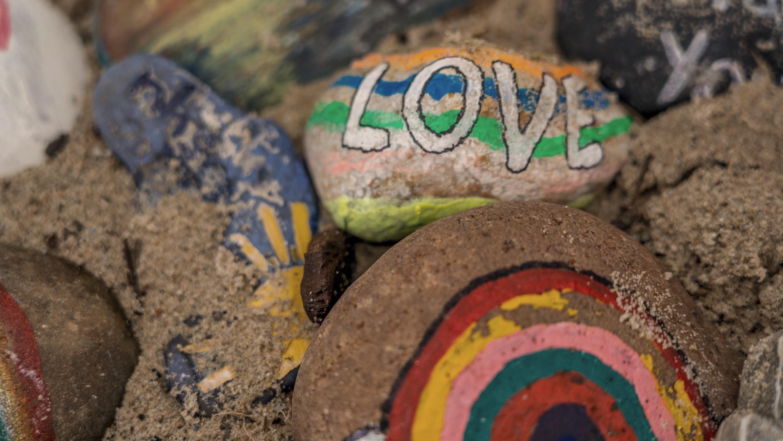Painted love rocks (Photo by Nick Fewings)