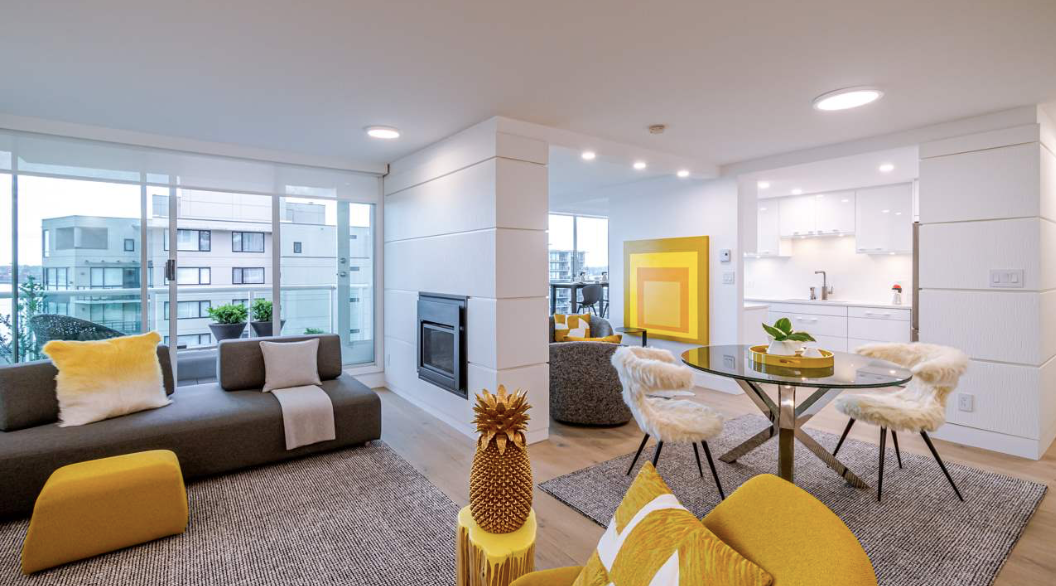 Luxury Lonsdale Apartment