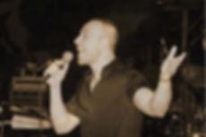 זמר ויוצר מוסיקלי לוכל סוגי האירועים עמית ולהקתו מבצעים את הלהיטים הגדולים של זמרי השנסון הצרפתיים, מופע מוסיקלי שכולו רגש, נוסטלגיה, רומנטיקה, הומור ושמחה אמיתית  ניתן להשתמש במופע כהופעה מרכזית באירוע (מומלץ!) או כמופע לקבלת פנים בשילוב מוסיקת רקע המשלבת