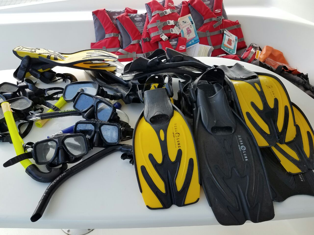 Salinas 48 snorkelling gear