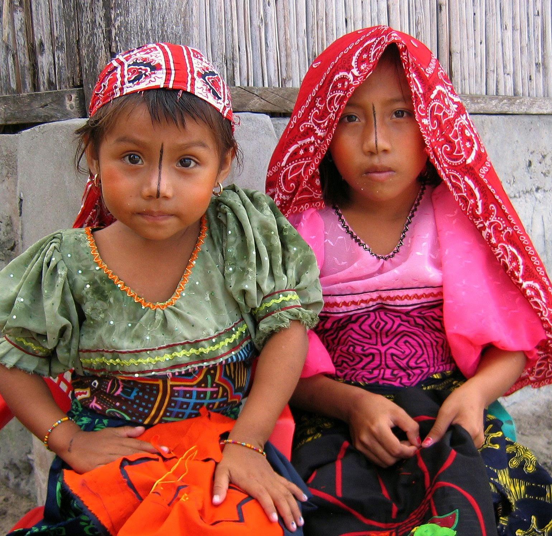 Kuna girls