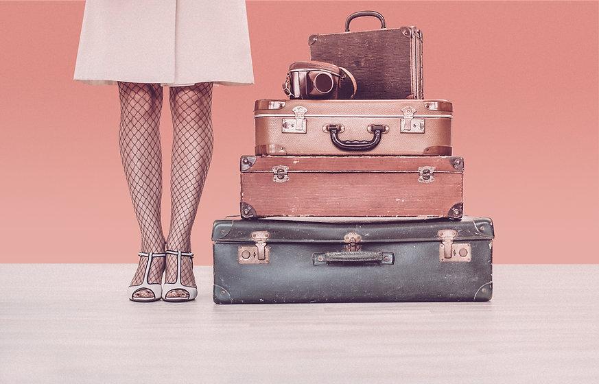 Vrouw met koffers