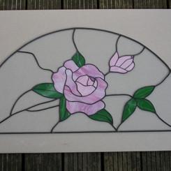 Halve boog met roos