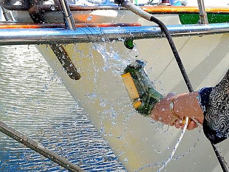 【遊艇大學堂】船下水為什麼會有「擲香檳瓶」的儀式