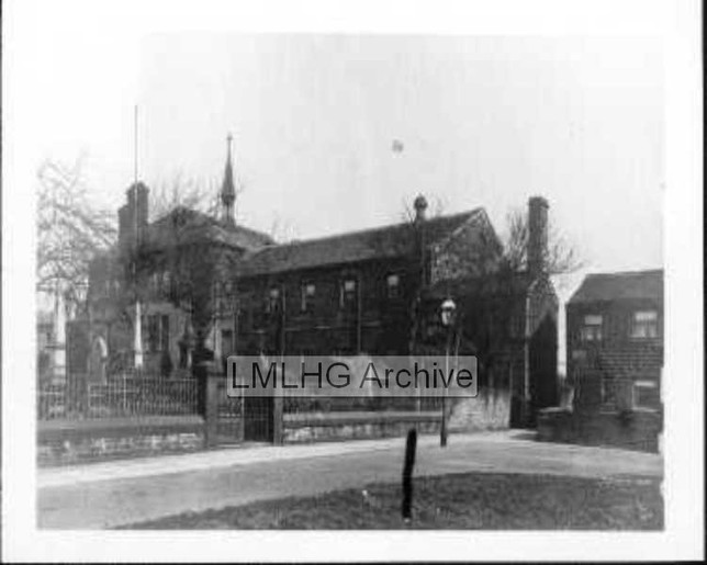 Wesley Place Church - Cleckheaton Road/Chapel Road