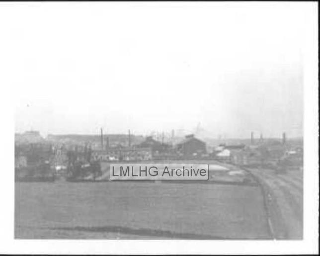 Across Markfield Estate from Huddersfield Road