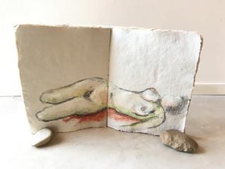 Naaktmodel studie op handgemaakt papier