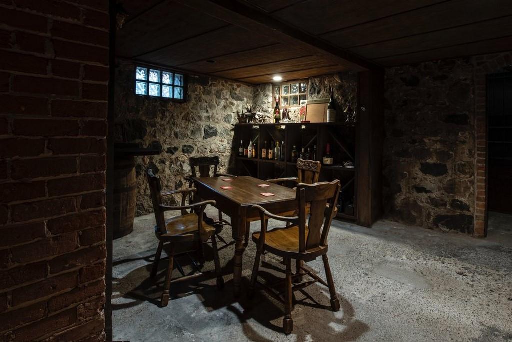 Farmhouse 13.jpg
