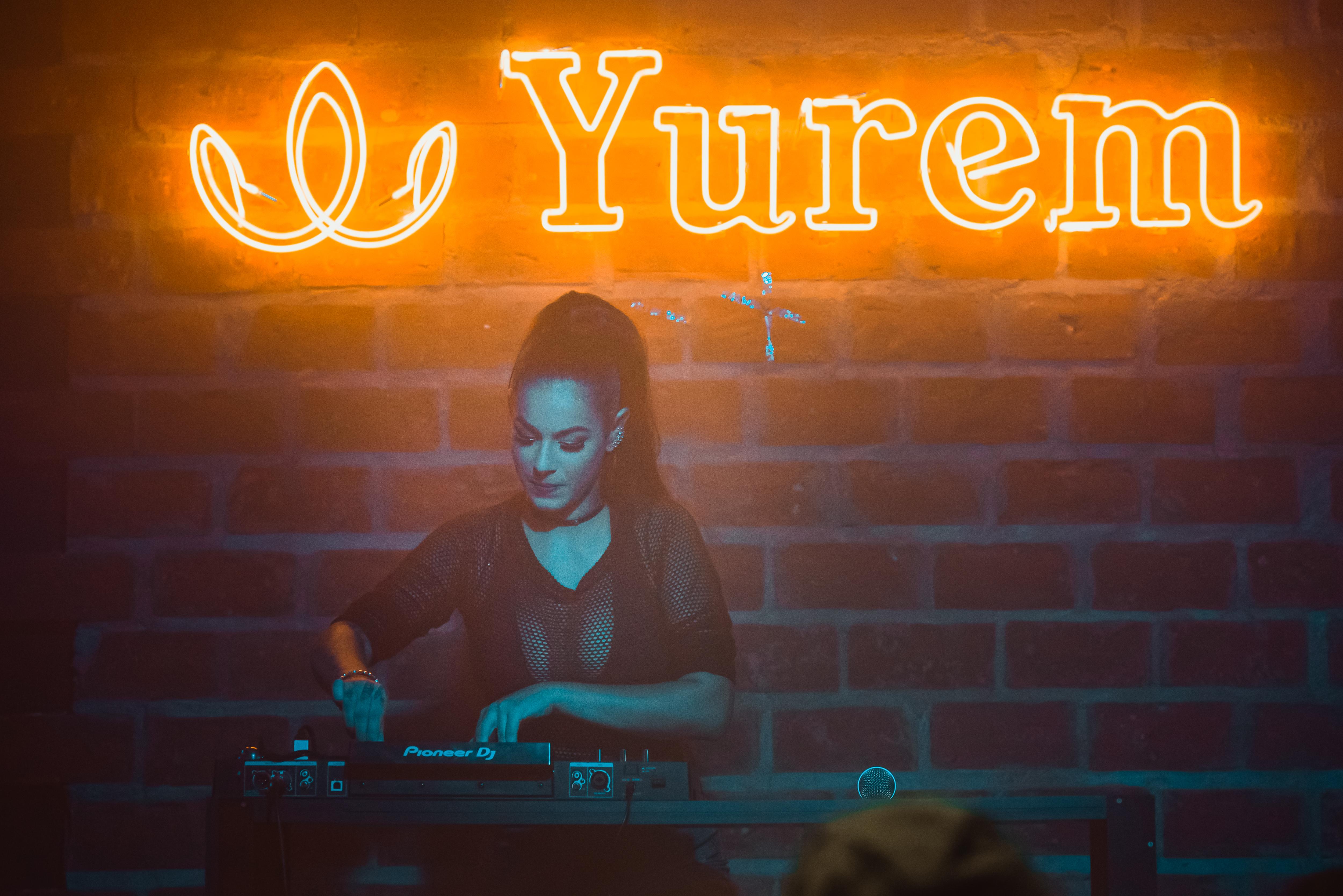 DJ Sabrina Moraes