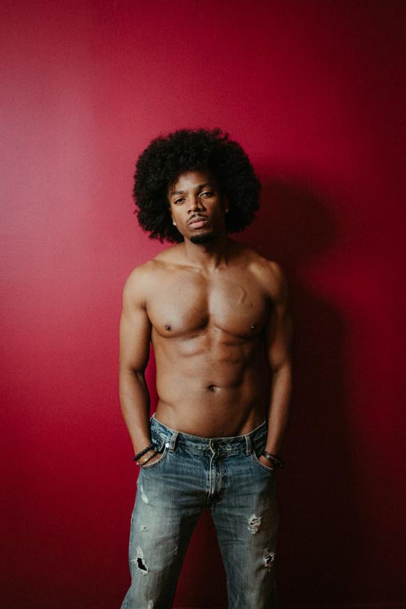 Darius-Shirtless with Jeans-19.jpg