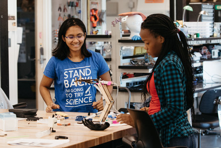 Students working on a project together inside Mount Holyoke's Fimbel Lab and Makerspace.