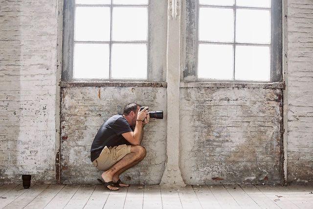 Le photographe qui doit acheter des tentures chez IKEA ...