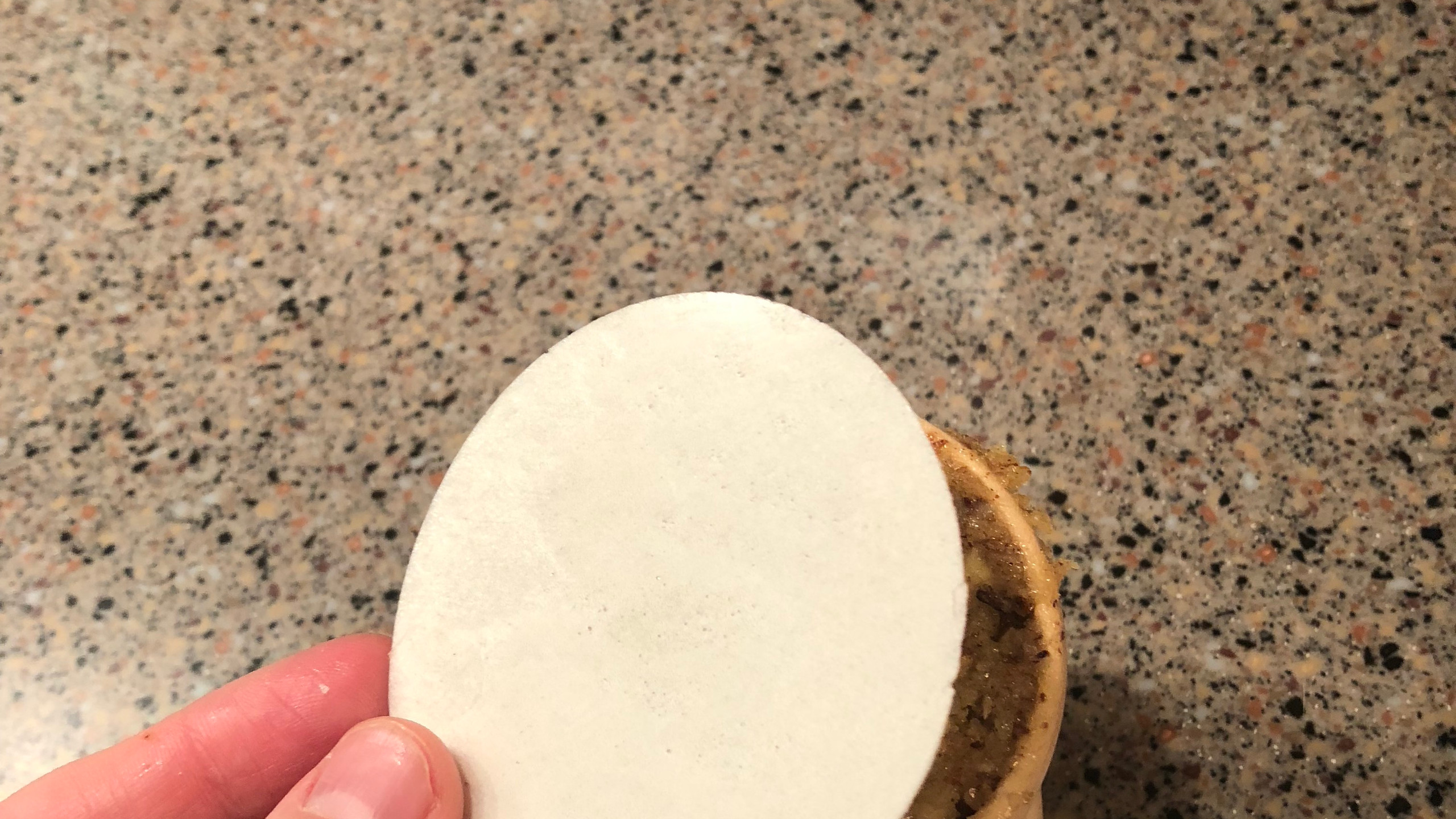 Add round wafer to back of cookie