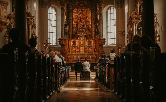 Kirchliche Hochzeit in den Bergen