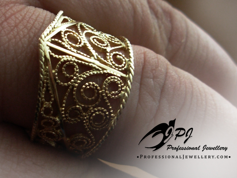 JPJ Professional Jewellery 14K Yellow Gold Filigree Ring.jpg
