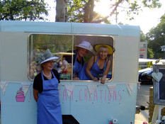 Ready to serve our delicious ice cream in the sunshine!