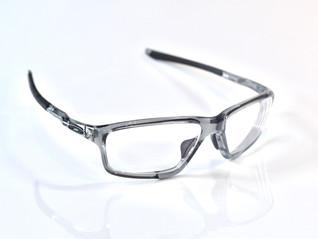 思わず一目惚れ✨オークリーのクロスリンクゼロで遠近両用メガネをお作りいただきました👓