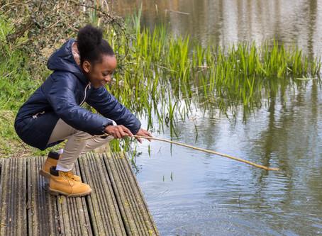 Social Capital and Echo Fishing