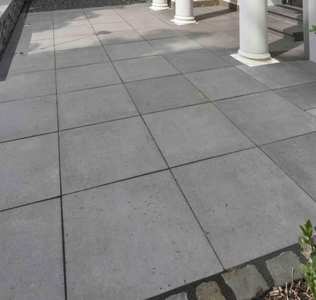 csm_Basalo_Terrassenplatte_basaltgrau_Ha