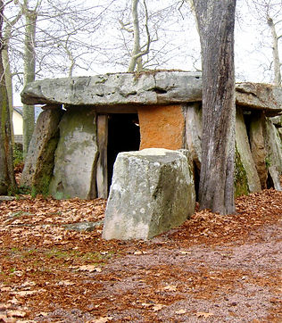 Photo%2520Dolmen%2520001_edited_edited.j
