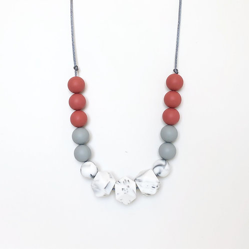 Isla Teething Necklace - Autumn Red