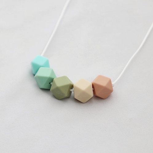 Iris Teething Necklace in Green& Peach